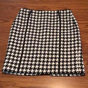 WHBM Career Houndstooth Wool Blend Pencil Skirt